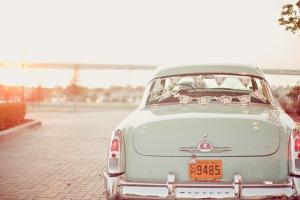 aluguel-de-carros-para-casamento-foto-de-Ivy-Weddings